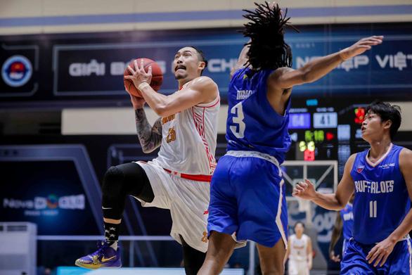 Gãy bộ tứ, tuyển bóng rổ Việt Nam thua liểng xiểng - Ảnh 2.