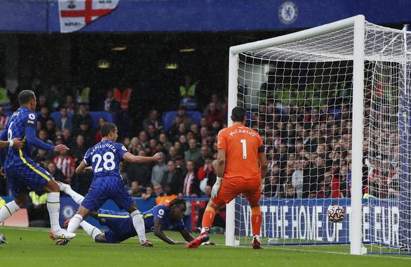 Chelsea thắng Southampton, vươn lên đầu bảng - Ảnh 1.