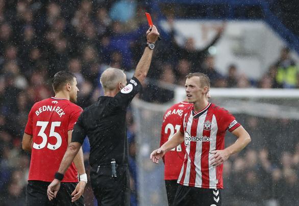 Chelsea thắng Southampton, vươn lên đầu bảng - Ảnh 2.