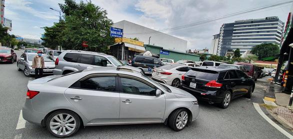 TP.HCM kiến nghị lùi thời gian phạt xe hết hạn đăng kiểm đến ngày 31-10 - Ảnh 1.