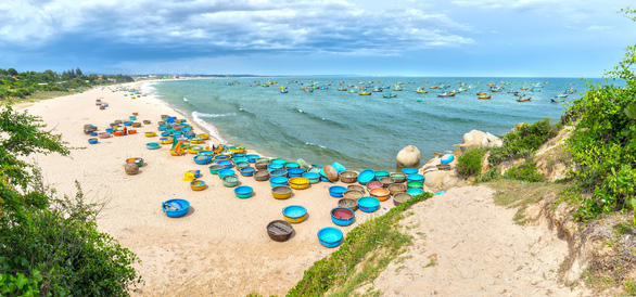 Nhận diện vùng trũng giá BĐS ven cung đường biển đẹp nhất Việt Nam - Ảnh 1.