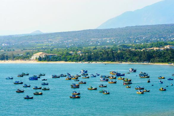 Nhận diện vùng trũng giá BĐS ven cung đường biển đẹp nhất Việt Nam - Ảnh 2.