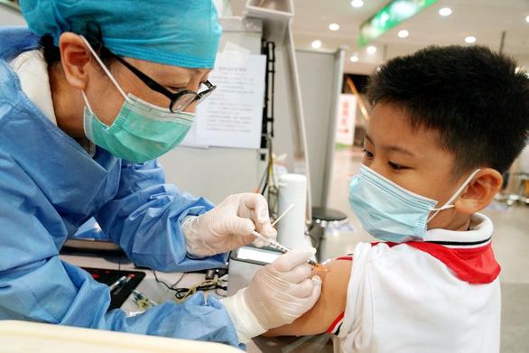 HỎI - ĐÁP về dịch COVID-19: Trẻ em có bị triệu chứng COVID kéo dài? - Ảnh 1.