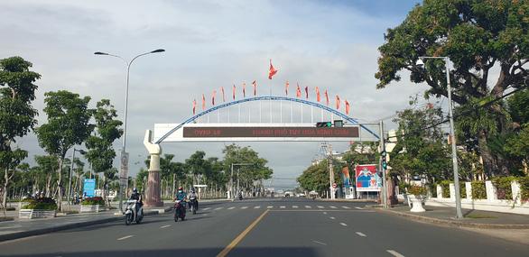 Từ 0h sáng 5-10, toàn tỉnh Phú Yên giảm mức độ giãn cách xã hội - Ảnh 1.