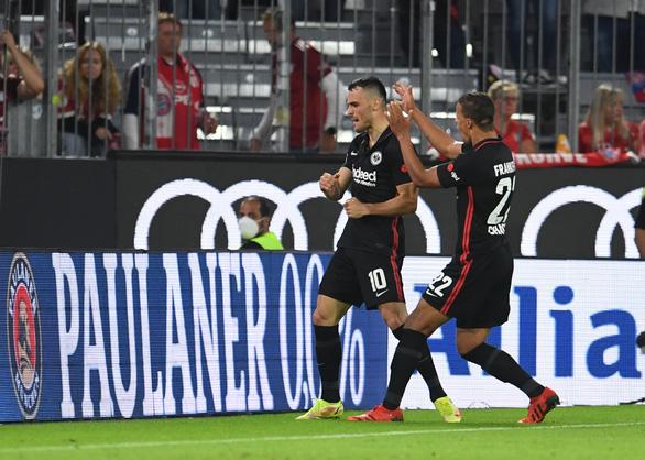 Lewandowski tịt ngòi, Bayern bất ngờ thua ngược Frankfurt - Ảnh 3.