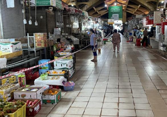 Nhiều chợ truyền thống ở TP.HCM mở lại - Ảnh 1.