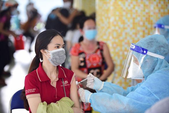 TP.HCM thêm hơn 1,1 triệu liều vắc xin Vero Cell và Comirnaty - Ảnh 1.