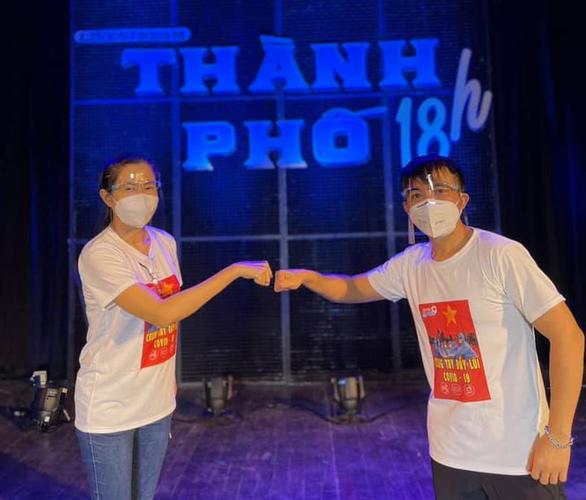 Hồ Ngọc Hà, Khả Như cùng hơn 1.000 người nổi tiếng lan tỏa năng lượng tích cực cho thành phố - Ảnh 1.