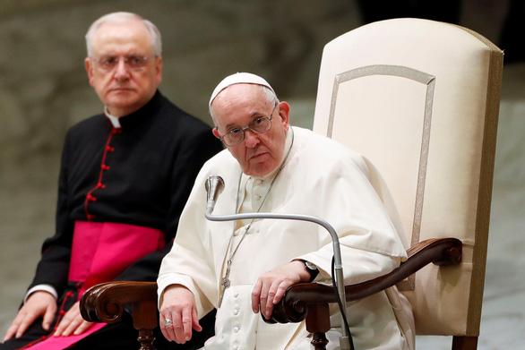 Đức Giáo hoàng Francis 'hổ thẹn' vì nạn ấu dâm ở Giáo hội Công giáo Pháp - Ảnh 1.