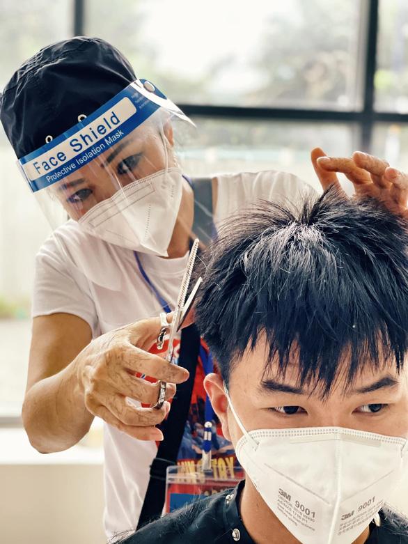 Hồ Ngọc Hà, Khả Như cùng hơn 1.000 người nổi tiếng lan tỏa năng lượng tích cực cho thành phố - Ảnh 5.