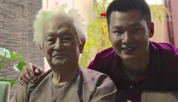 Đức Tuấn, Tấn Sơn tưởng nhớ nhạc sĩ Phạm Duy, êkip Trường Giang lên tiếng về tin đồn cờ bạc - Ảnh 2.