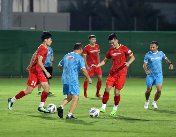 Vòng loại thứ 3 World Cup 2022: Bóng đá Việt Nam sẽ phá dớp toàn thua trước Trung Quốc? - Ảnh 1.