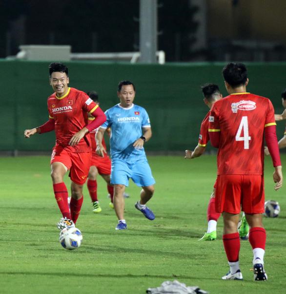 Thầy trò ông Park mổ băng các trận của Trung Quốc - Ảnh 2.