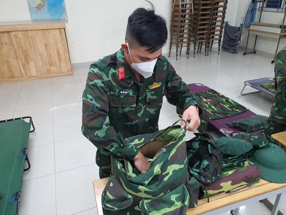 Quận Bình Tân tổ chức chia tay lực lượng tăng cường phòng chống dịch - Ảnh 1.