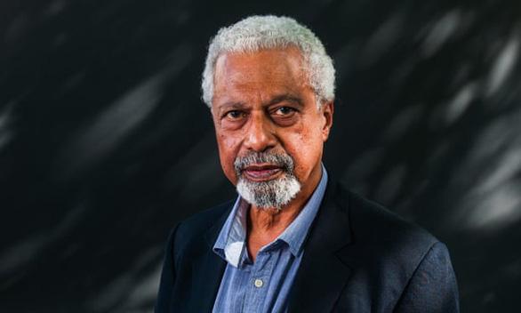 Tác giả Nobel văn chương 2021 Abdulrazak Gurnah: 'Nhà văn châu Phi vĩ đại nhất còn sống' - Ảnh 1.