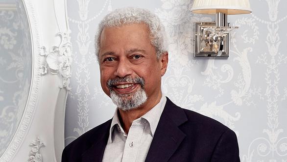 Nhà văn Abdulrazak Gurnah, người Tanzania sống ở Anh, đoạt giải Nobel văn chương 2021 - Ảnh 2.