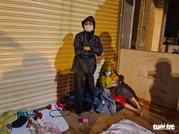 Thai phụ về quê chuyển dạ trong đêm mưa rét ở Quảng Ngãi sức khỏe đã tạm ổn - Ảnh 3.