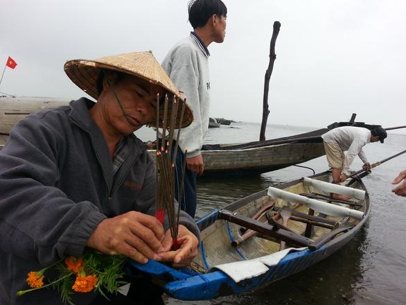 Sợ truông Nhà Hồ sợ phá Tam Giang - Kỳ 6: Những tập tục ngược đời của dân sóng nước - Ảnh 1.