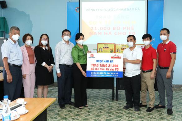 Bổ phế Nam Hà tặng 21.000 sản phẩm hỗ trợ F0 điều trị tại nhà - Ảnh 1.