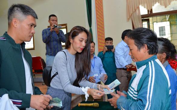 Bộ Công an yêu cầu hai huyện Nghệ An cung cấp tài liệu hoạt động từ thiện của Thủy Tiên - Ảnh 1.