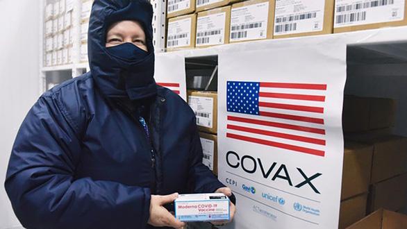 Thêm 397.800 liều vắc xin Pfizer do Mỹ tặng đã về tới Việt Nam - Ảnh 1.