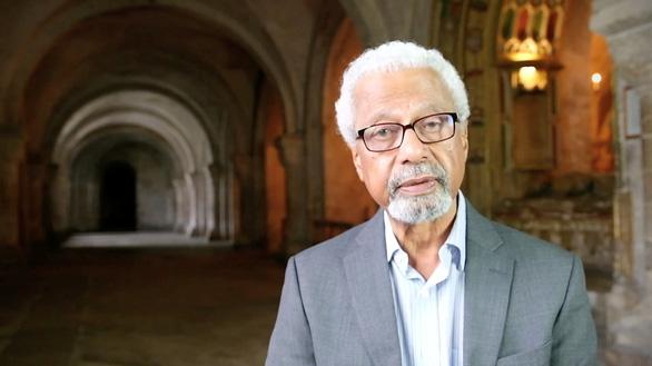 Nobel văn chương 2021: Abdulrazak Gurnah có tư duy khoa học và kỹ thuật văn chương - Ảnh 1.