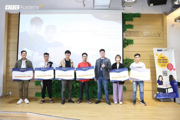Cơ hội giành học bổng quốc tế cho chương trình tại Pháp và Canada - Ảnh 5.