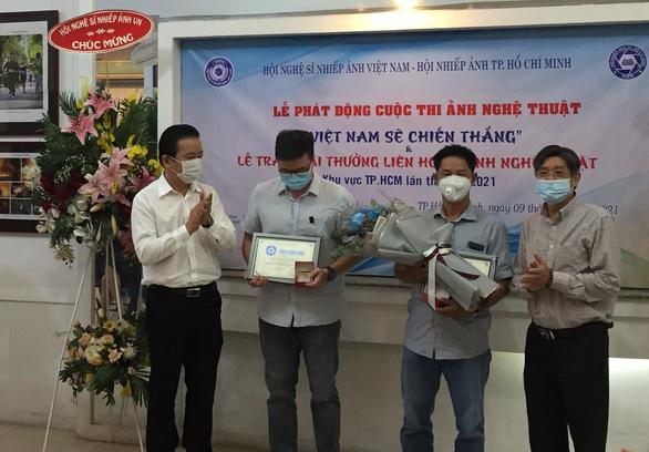 Tang lễ Phi Nhung ở Mỹ miễn nhận vòng hoa, kêu gọi góp quỹ từ thiện - Ảnh 8.
