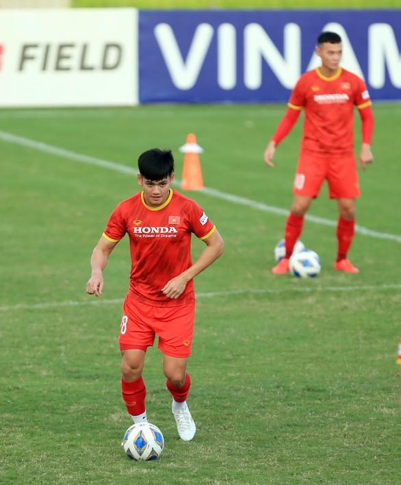 Trận thua tuyển Trung Quốc 2-3: Bài học về dùng người - Ảnh 1.