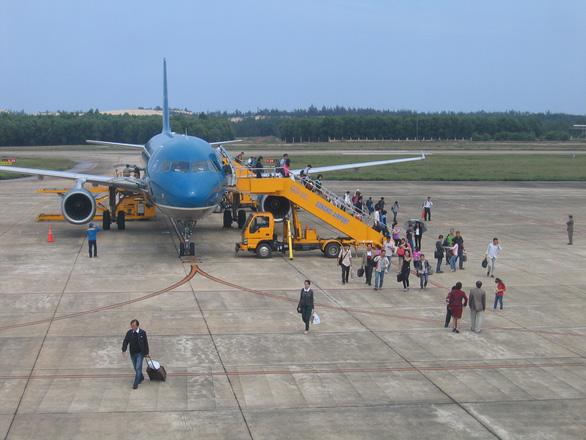 Quảng Bình: Hàng không, đường sắt đón khách trở lại từ ngày 10-10 - Ảnh 1.