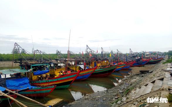 Nhiều địa phương Đông Bắc Bộ cấm biển, tăng cường ứng phó bão số 7 - Ảnh 2.