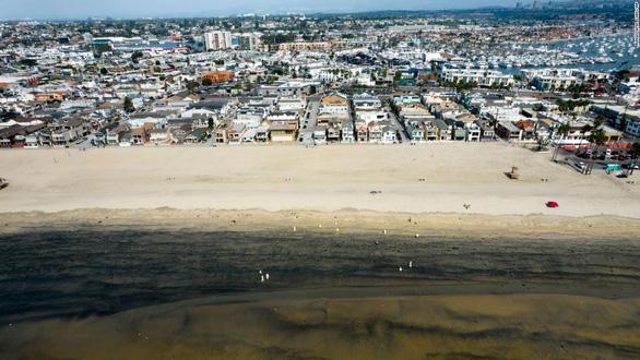 Sự cố dầu tràn nghiêm trọng ngoài khơi quận Cam do cái mỏ neo? - Ảnh 2.