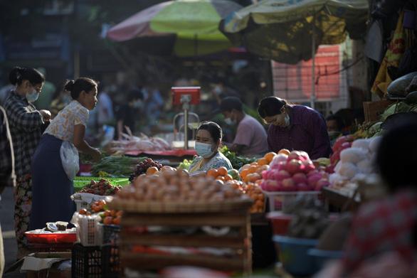 Việt Nam sẵn sàng bảo hộ công dân ở Myanmar - Ảnh 1.