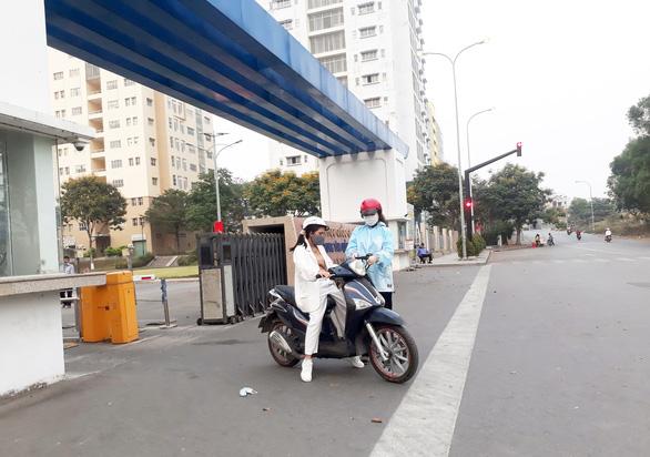 Sinh viên định ở lại Sài Gòn xuyên Tết 'trở tay không kịp' trước dịch COVID-19 - Ảnh 1.