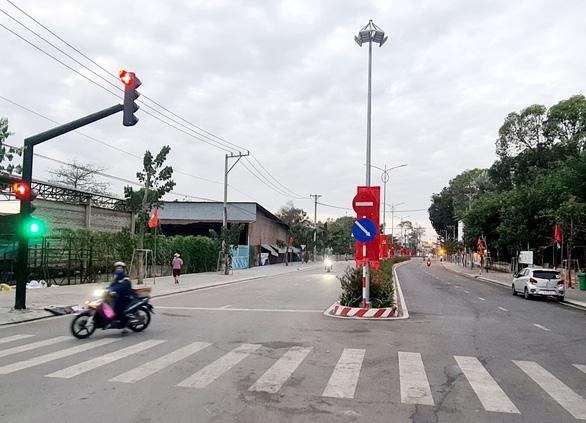 Bình Dương gỡ phong tỏa khu phố đại học Thủ Dầu Một - Ảnh 2.