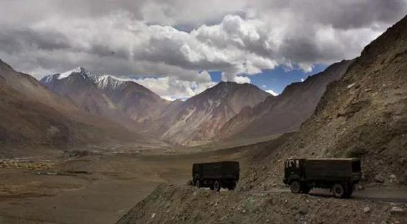 Bộ Quốc phòng Trung Quốc: Binh sĩ Ấn, Trung cùng rút quân khỏi biên giới - Ảnh 1.