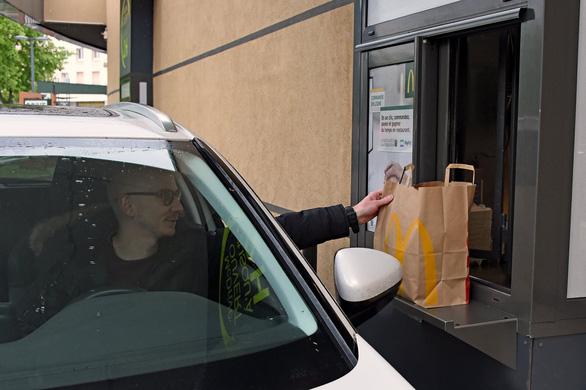 Kinh doanh ăn uống 2021: Thức ăn nhanh và thức ăn mang đi lên ngôi - Ảnh 2.