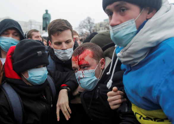 Nga phát lệnh truy nã cộng sự của chính trị gia đối lập Navalny - Ảnh 2.