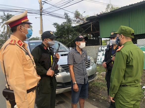 Khởi tố tài xế chở 3 người Trung Quốc nhập cảnh trái phép với giá 15 triệu đồng - Ảnh 2.