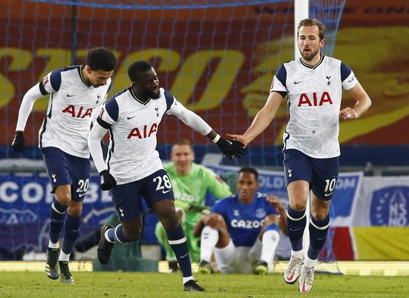 Everton đá văng Tottenham khỏi FA Cup sau trận cầu có 9 bàn thắng - Ảnh 2.