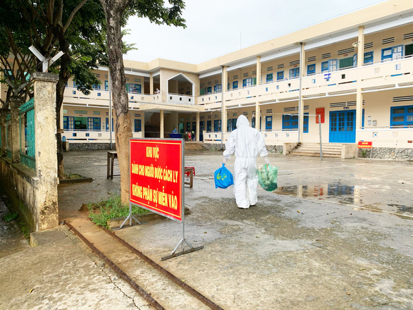 Quảng Nam quy định thêm việc cách ly người về từ TP.HCM từ ngày 8-2 - Ảnh 1.