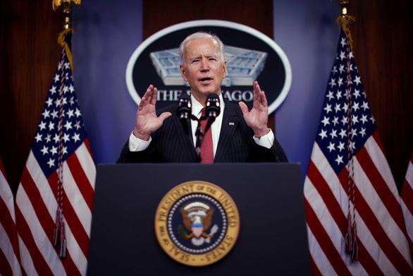 Ông Biden ra lệnh trừng phạt phe quân đội Myanmar - Ảnh 1.