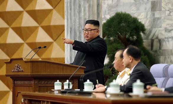 Ông Kim Jong Un phê bình nội các thiếu sáng tạo, sa thải bộ trưởng mới bổ nhiệm - Ảnh 1.