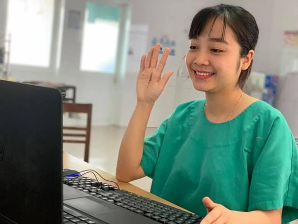 Valentine đặc biệt của y bác sĩ bệnh viện điều trị bệnh nhân COVID-19 tại Quảng Ninh - Ảnh 1.