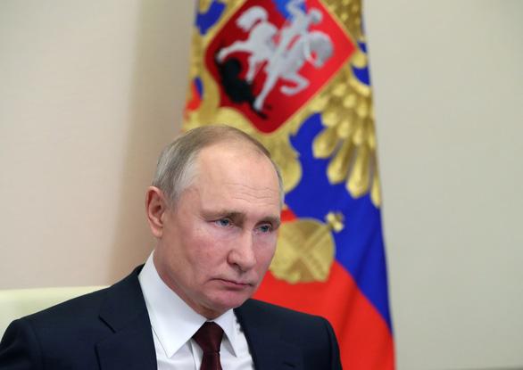 Ông Putin nói phương Tây dùng Navalny để 'kiềm chế' nước Nga - Ảnh 1.