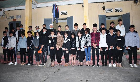 34 thanh niên phi xe máy thông chốt bất thành từ Hải Dương vào Hải Phòng - Ảnh 3.