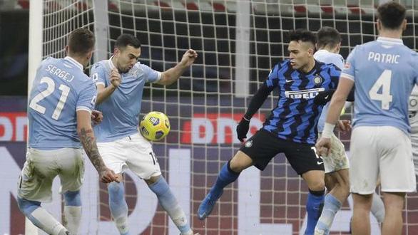 Lukaku rực sáng đưa Inter Milan lên đầu bảng - Ảnh 3.