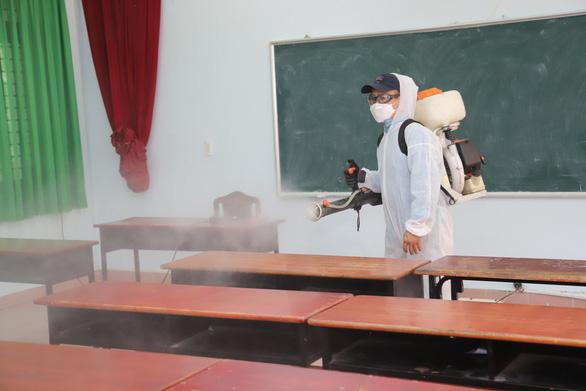 Chủ tịch Hà Nội đề nghị Thủ tướng cho sinh viên học trực tuyến hết tháng 2-2021 - Ảnh 1.
