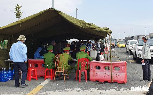 Quảng Ninh khuyến cáo người dân đang ở Hải Dương hãy ở lại để giãn cách xã hội - Ảnh 1.