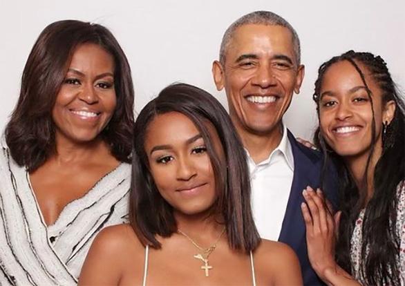 Tấm ảnh hiếm hoi của gia đình ông Obama - Ảnh 1.